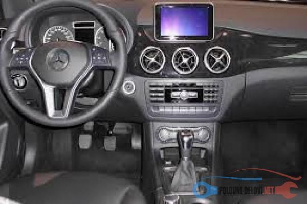 Polovni Delovi Za Mercedes Benz Ostalo A, B, C, CLA, CLC, CLK Kompletan Auto U Delovima