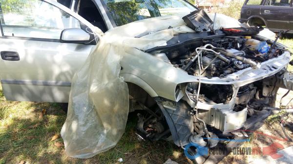 Polovni Delovi Za Opel Astra G 2.0 1.6 16v Kompletan Auto U Delovima