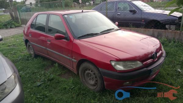 Polovni Delovi Za Peugeot 306 1.9 Dizel Kompletan Auto U Delovima