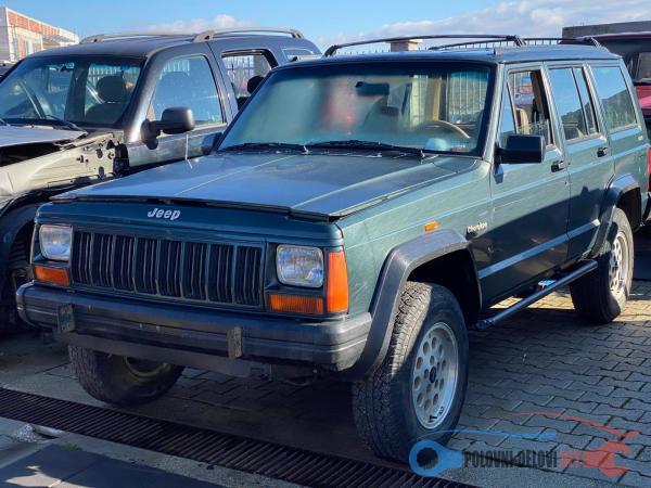 Polovni Delovi Za Jeep Cherokee Kompletan Auto U Delovima