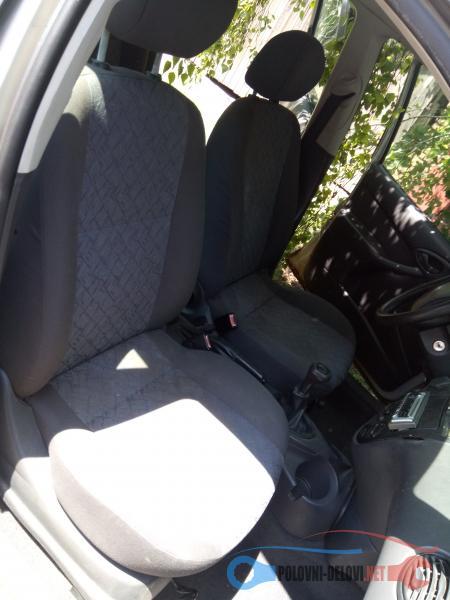 Polovni Delovi Za Ford Focus 1.6 Benzin 16v Enterijer