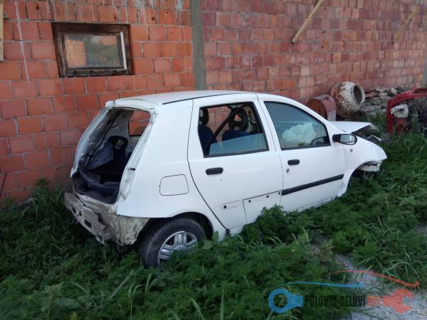 Polovni Delovi Za Fiat Punto 1.2 Benzin Razni Delovi
