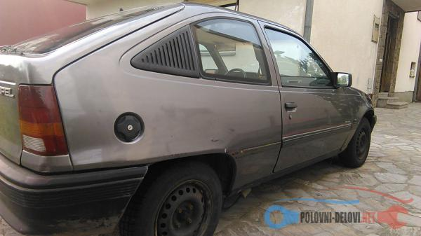 Polovni Delovi Za Opel Kadett Kompletan Auto U Delovima